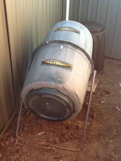 Show us your kitchen compost container - Page 4 E5e64dd472c90f81e4a930a5f0ec0f49