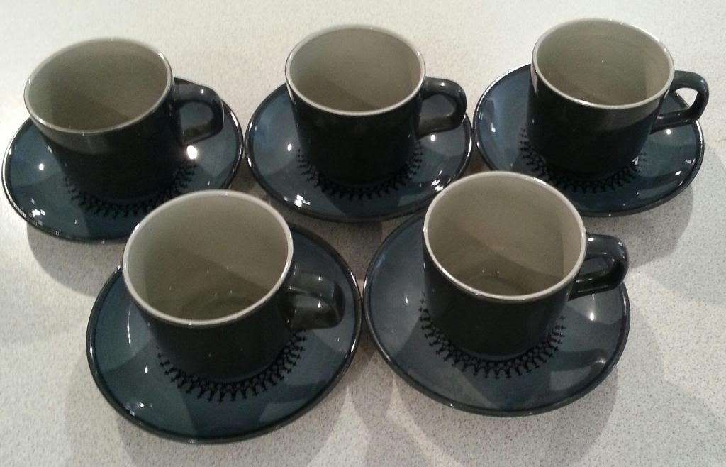 "Crown Lynn ""Ponui"" cups and saucers 106"
