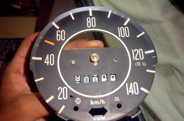 Como poner el velocímetro en ceros  SV400367