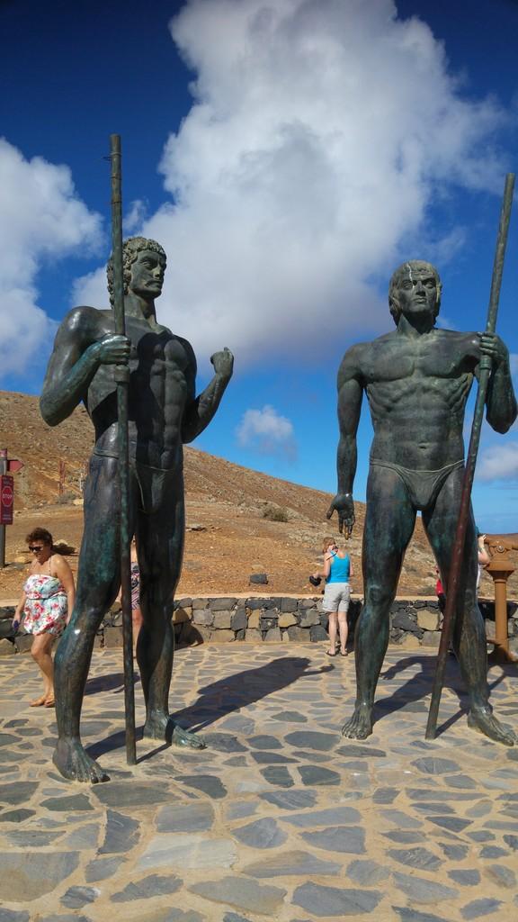 Canary Islands, Fuerteventura, (Overview) Morro%20Velosa%20statues_zps5ki7nkqx