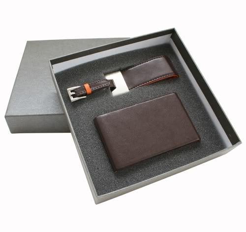 Công ty SAXA chuyên sản xuất quà tặng có in ấn logo theo yêu cầu SAXA-Bo-qua-N021-LeatherCardHolder-LeatherLuggageTaginGiftBox