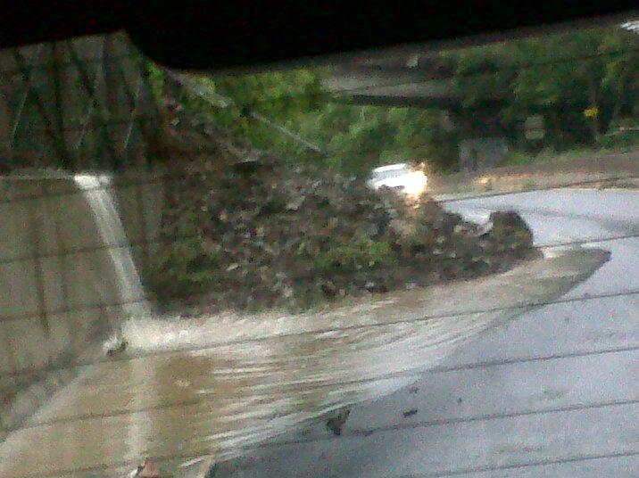 Huracán Irene Deja su huella en San Lorenzo, Puerto Rico Derrumbe