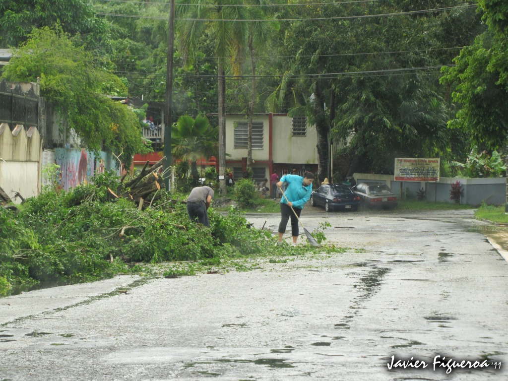 Huracán Irene Deja su huella en San Lorenzo, Puerto Rico GenteIMG_0420