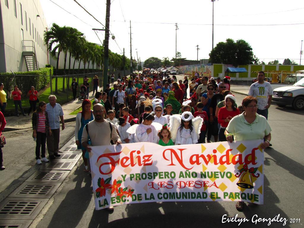La Escuela Acreditada el Parque celebró su tradicional parada de navidad. ParadaIMG_0757