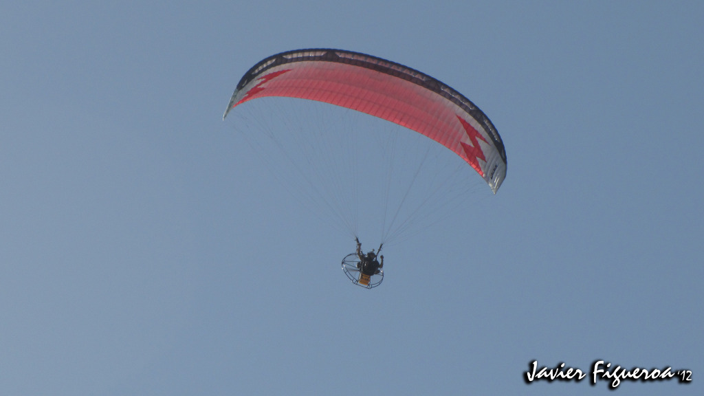 Paramotor vuela sobre San Lorenzo ParamotorIMG_1041