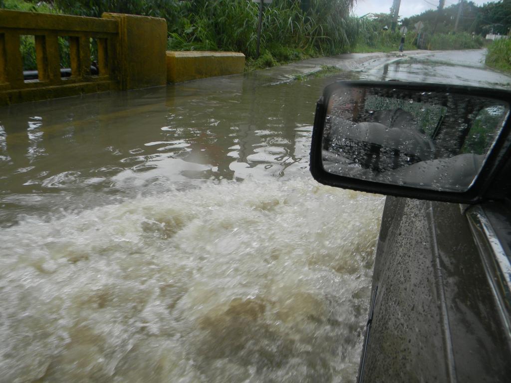 Huracán Irene Deja su huella en San Lorenzo, Puerto Rico Tormenta-Huracan1Irene046
