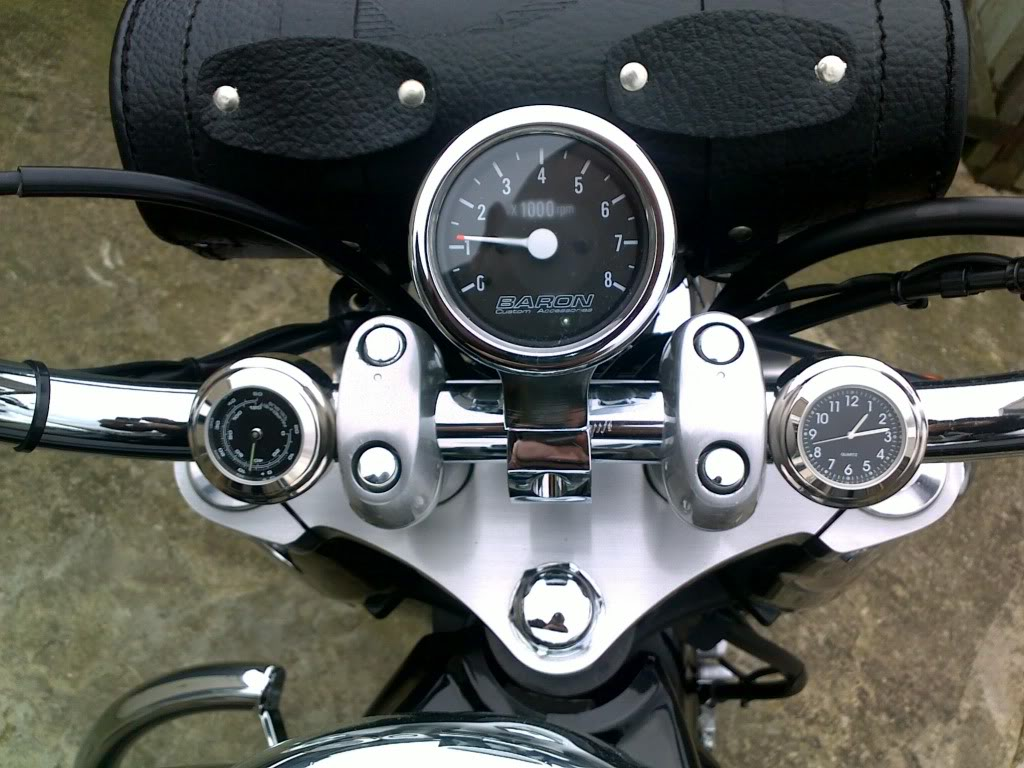 Suzuki C800, Bullet Rev-Counter * Baron   05032011039