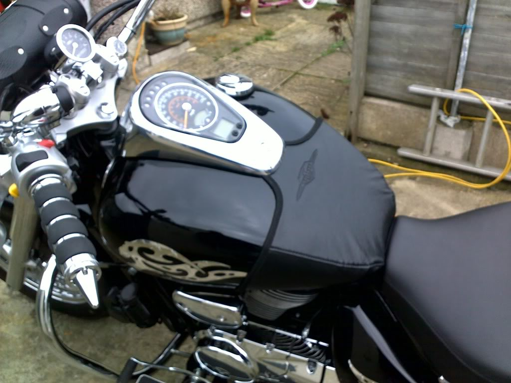 Has Anyone Fitted Heated Grips 05032011044