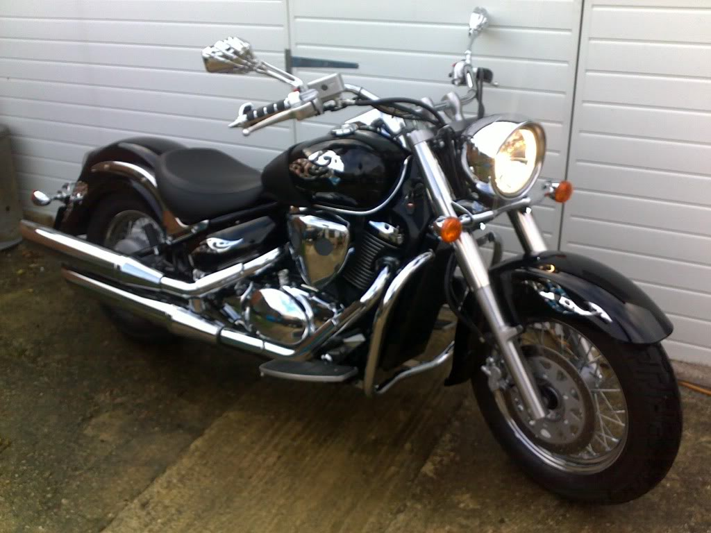 Couple of pics of my .......... 2010 Suzuki Intruder C800 Cruiser 06112010017