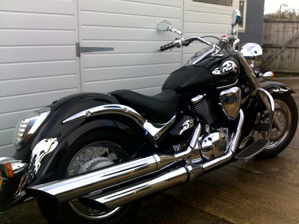 Couple of pics of my .......... 2010 Suzuki Intruder C800 Cruiser 06112010019