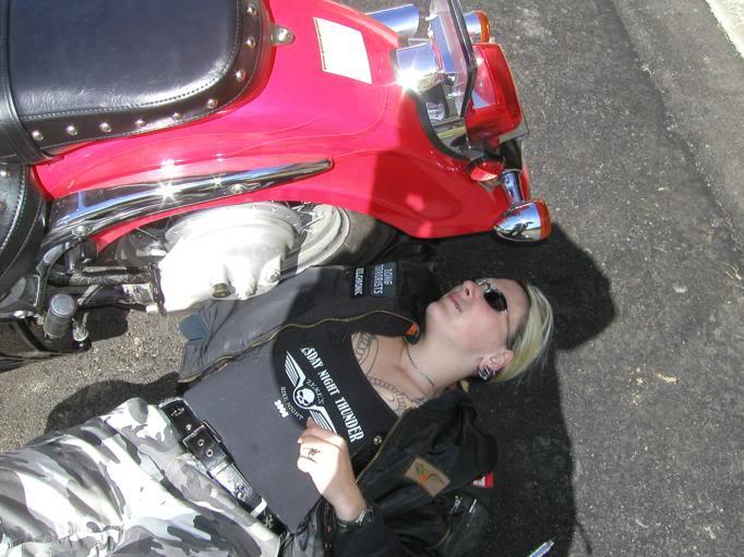 * Mistress K's adventure in modifying a Suzuki Intruder C50 / C800 * 11
