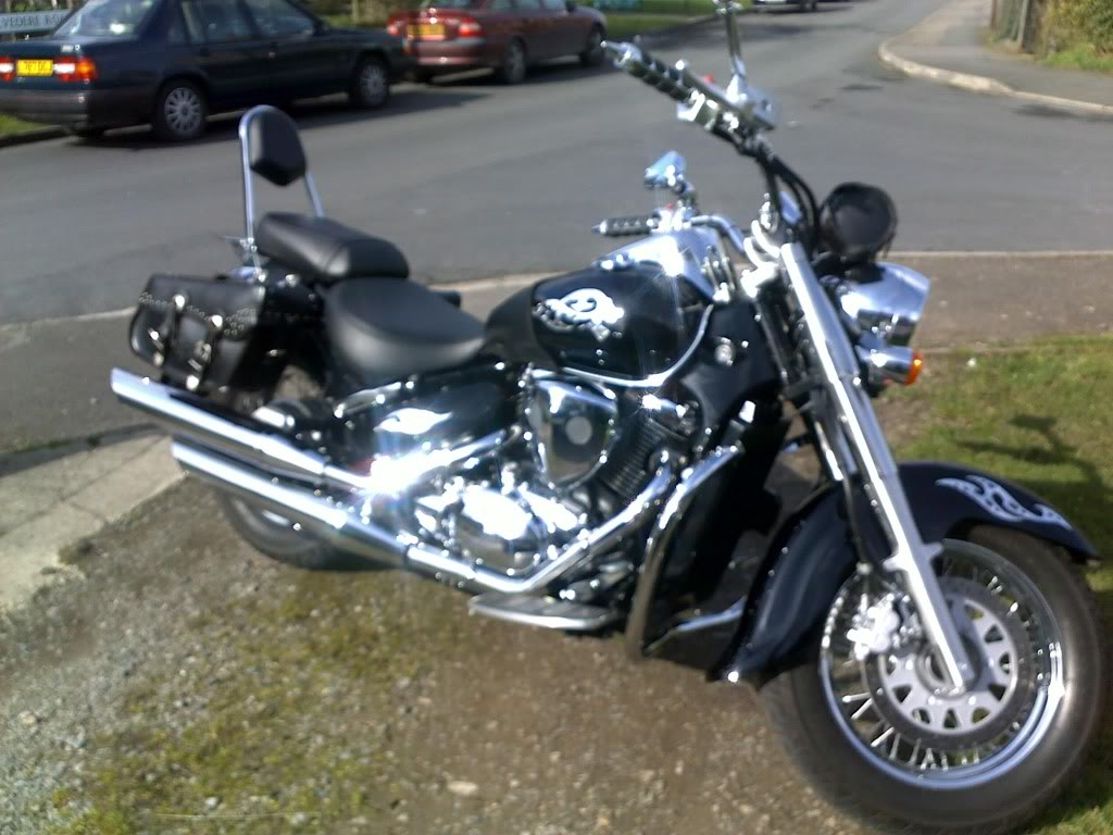Couple of pics of my .......... 2010 Suzuki Intruder C800 Cruiser 13032011053