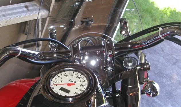 * Mistress K's adventure in modifying a Suzuki Intruder C50 / C800 * 137