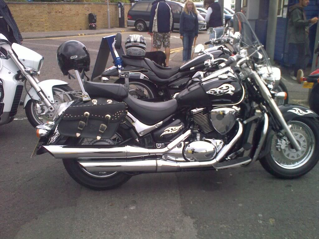 Couple of pics of my .......... 2010 Suzuki Intruder C800 Cruiser 29082010255