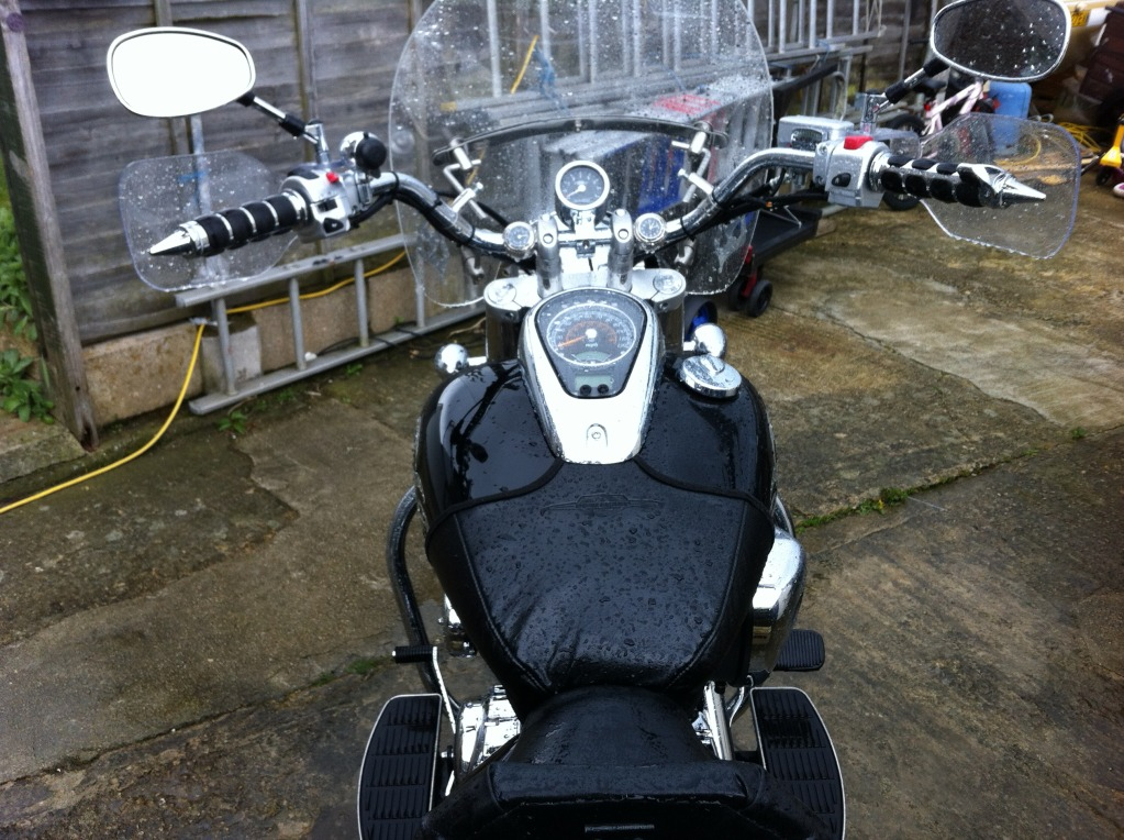 Couple of pics of my .......... 2010 Suzuki Intruder C800 Cruiser IMG_0412