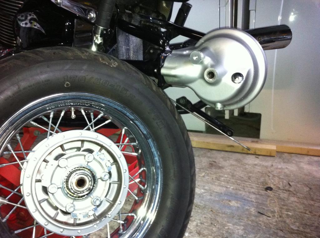 Rear Wheel Removal, Suzuki C800 / M800 IMG_1116_zps2bc4da5e