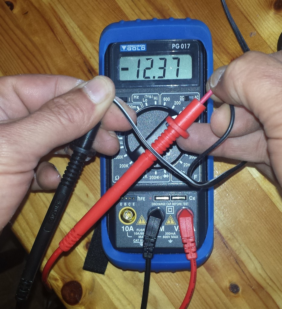 Home made battery trickle charger 20150603_130322_zpsnmasaefe
