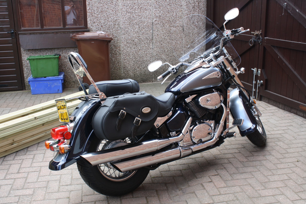 my fully loaded ride ........... Suzuki Intruder VL800 Smart2