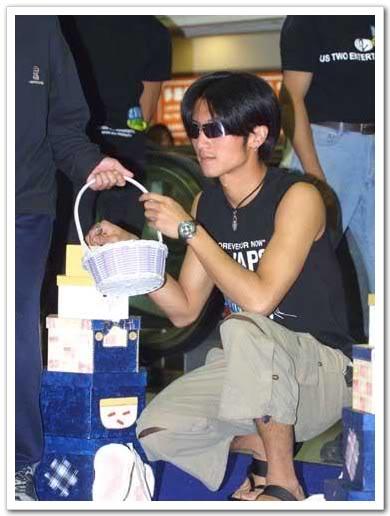 [2002] Linh hồn luyến ái   Tiramisu   恋爱行星 E2daba0943f3e2056a60fb12