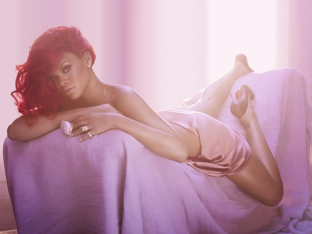 Rihanna .  - Page 3 Lovely-Rihanna-Wallpaper-rihanna-19220552-1024-768