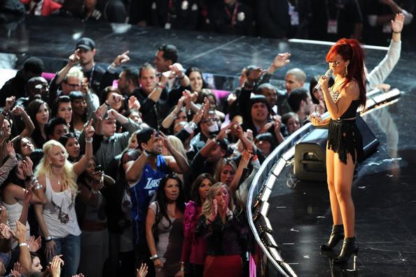 Rihanna .  - Page 3 Rihanna2011NBAStarGamePerformancesCelebritiesv-Tj6xOW9kXl