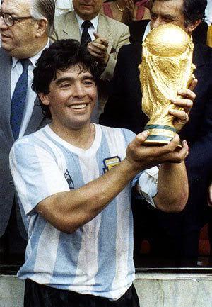 Análisis de un ejemplo de vida: Diego A Maradona Maradona-diego-maradona-172788_300_433