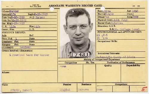 La celda olvidada (o El hombre pájaro de Alcatraz - Birdman of Alcatraz) N-09-LEAVEN8_Large