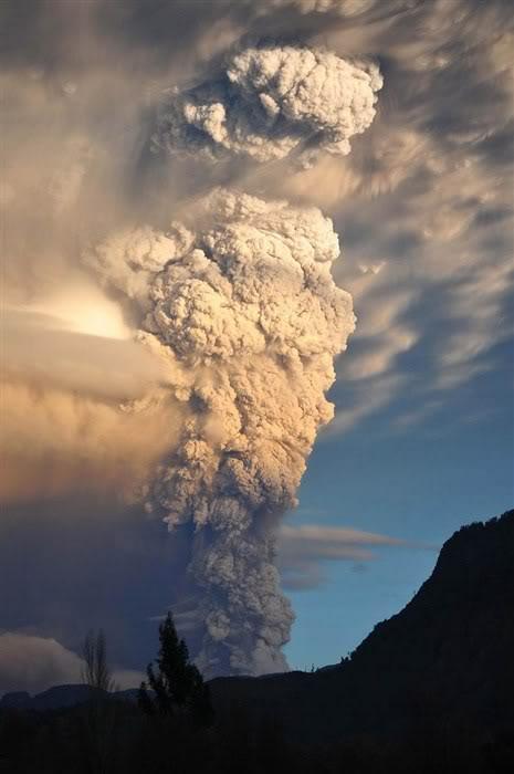 Fotos de la erupción del volcán Puyehue Puyehue01a