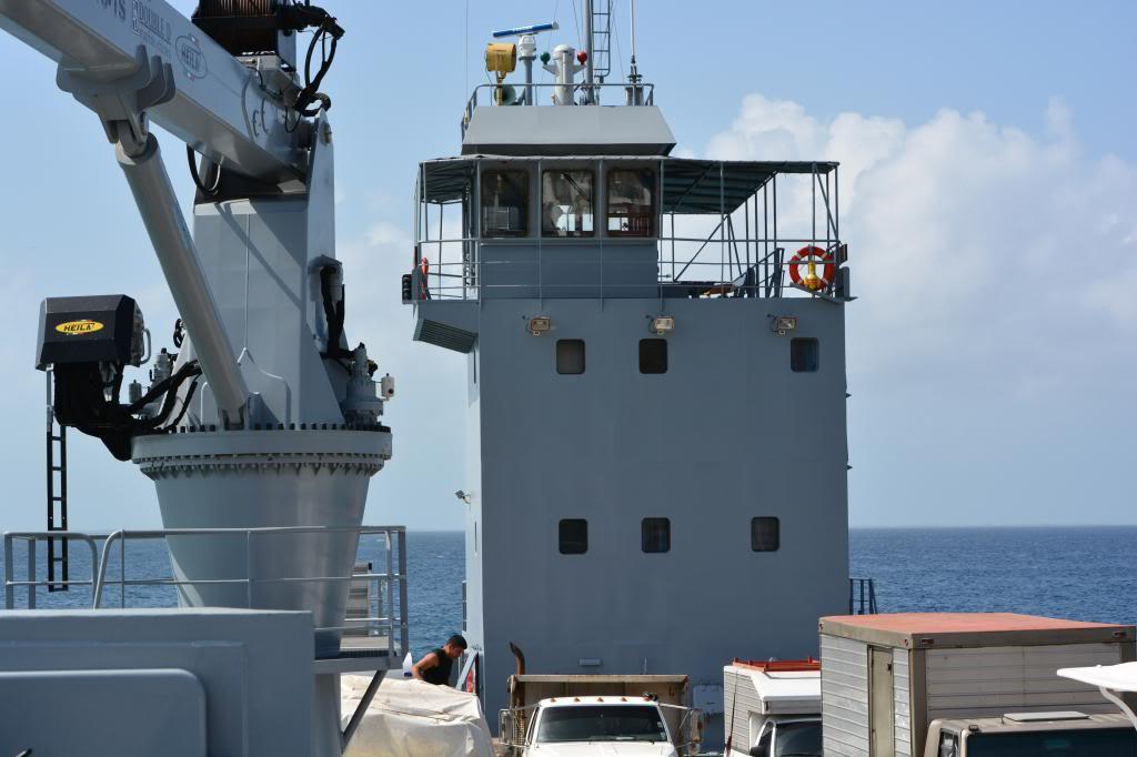 Escuadrón de buques anfibios y servicios NikonD71001719_zps996d28b6
