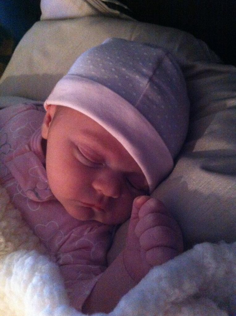 My baby cousin Sienna *LOTS of pics* 3B4FBED1-FC9B-426C-B24A-3145BC614809-7201-000004D7779E8169_zpsa435958c