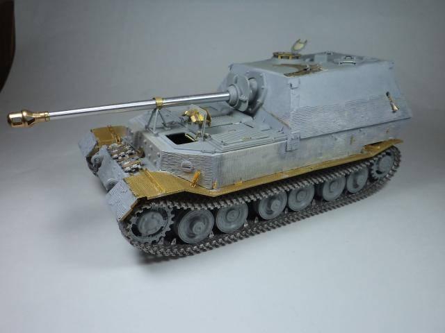 sdkfz 184 ELEFANT [Dragon model +PE Voyager] DSC09959