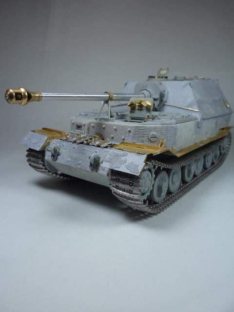 sdkfz 184 ELEFANT [Dragon model +PE Voyager] DSC09960