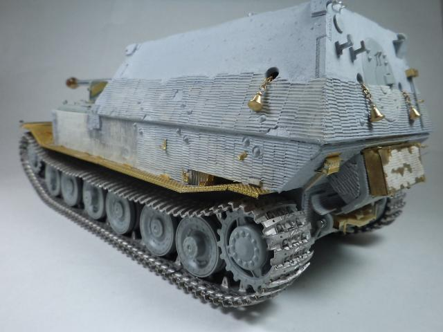sdkfz 184 ELEFANT [Dragon model +PE Voyager] DSC09962