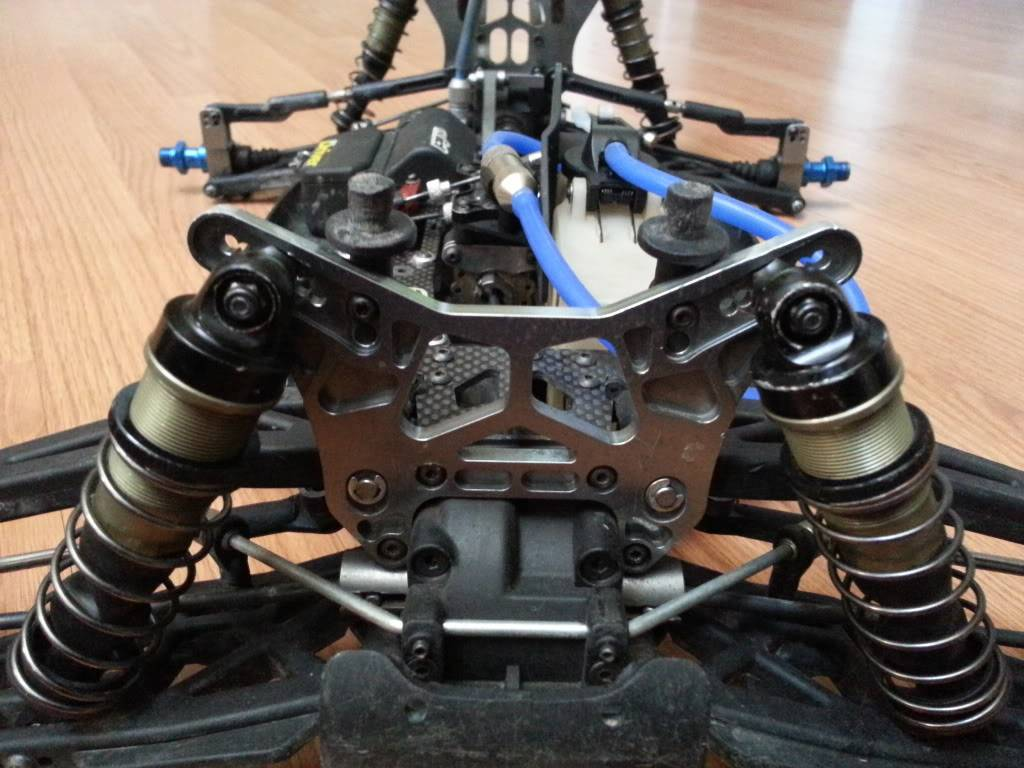 1/8 SCALE SALE (buggy and truggy) 20130311_150721
