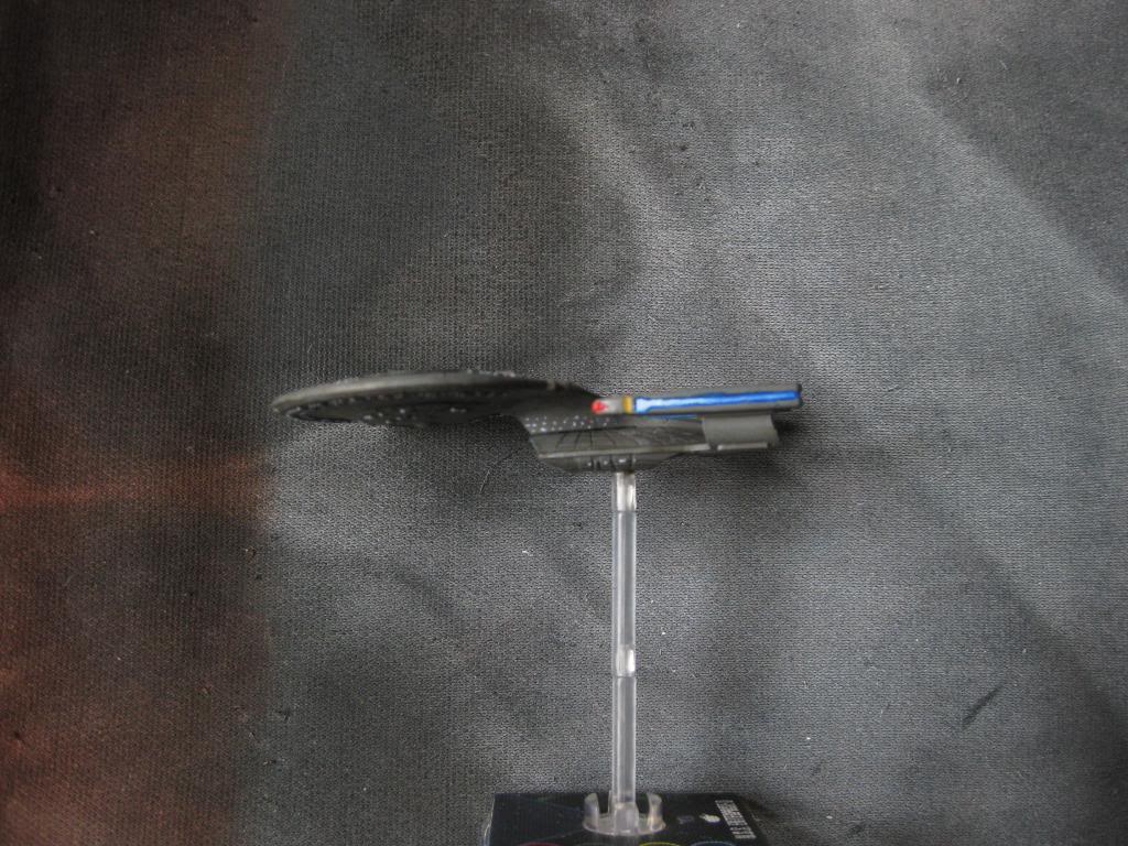 USS Valerius (Galaxy Class repaint) IMG_8786_zpsfc1055d4