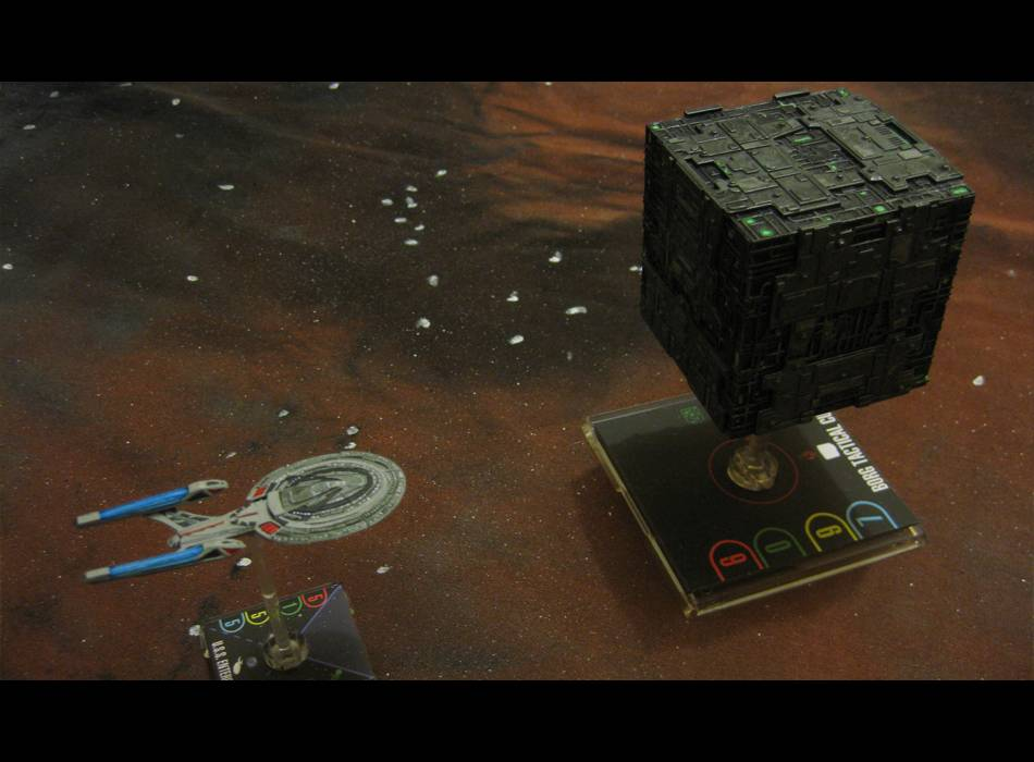 Tactical Cube und Enterprise-E STAW_Borg_vs_Picard_1_zps8eed31c7