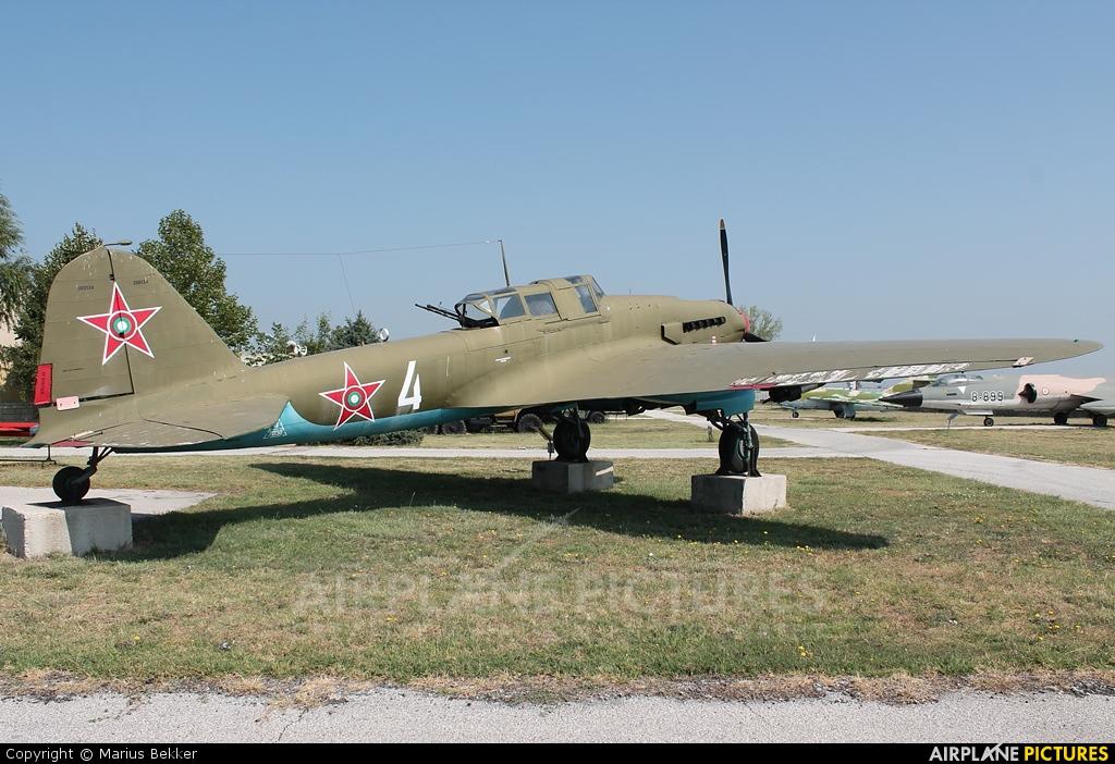 Il-2 con fuerza aérea de los polacos. Verano 1945 311906_zps67636bef