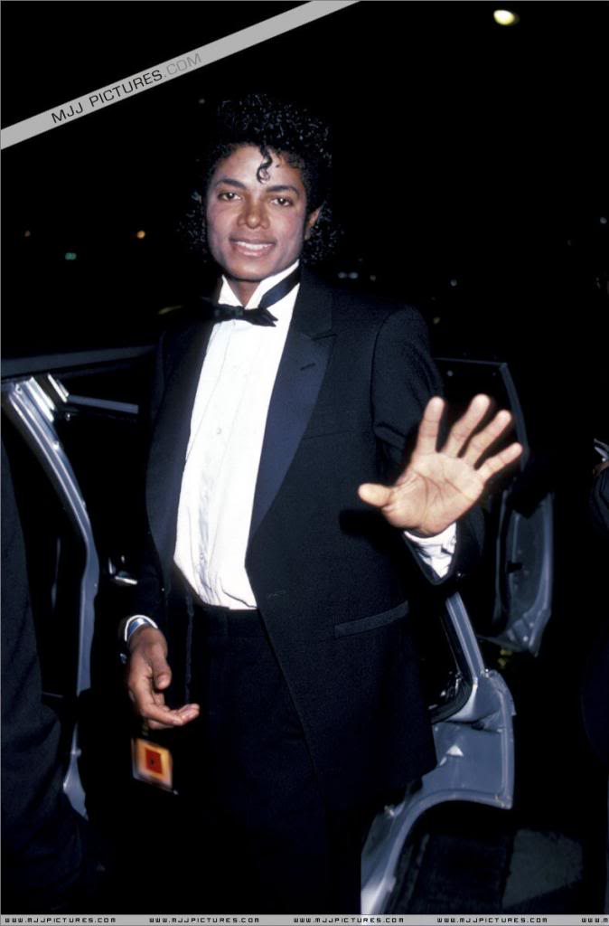 photo Michael-Jackson-Thriller-ERA-the-thriller-era-20930678-790-1200_zps9e7ad5db.jpg