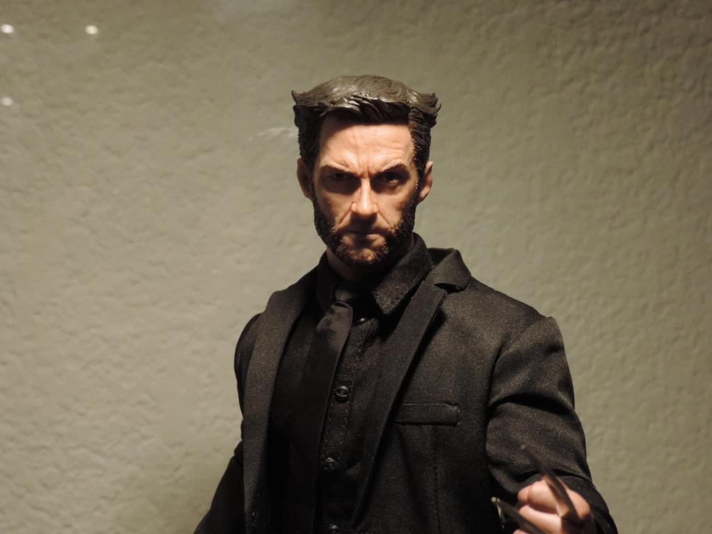 [Modern Life] VH02-CS: Wolverine/Hugh Jackman - 1/6th scale head DSCN3990