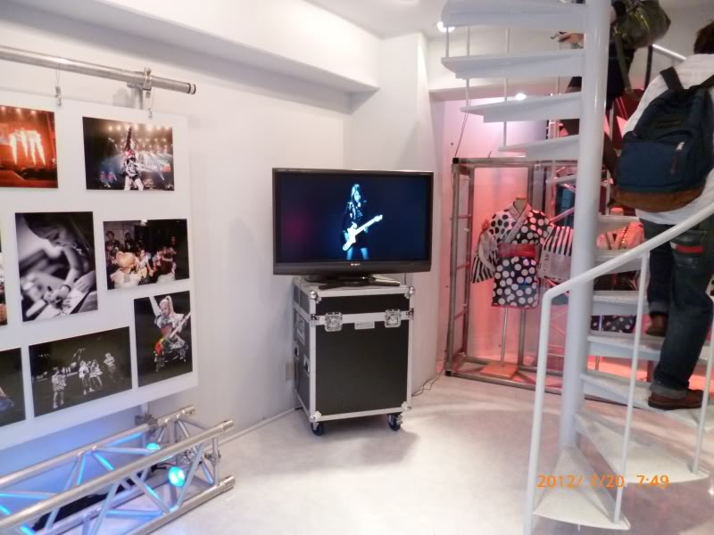 SCANDAL SHOP in Harajuku (7.20.12-8.31.12) SCSHOP06