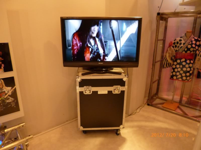 SCANDAL SHOP in Harajuku (7.20.12-8.31.12) SCSHOP39