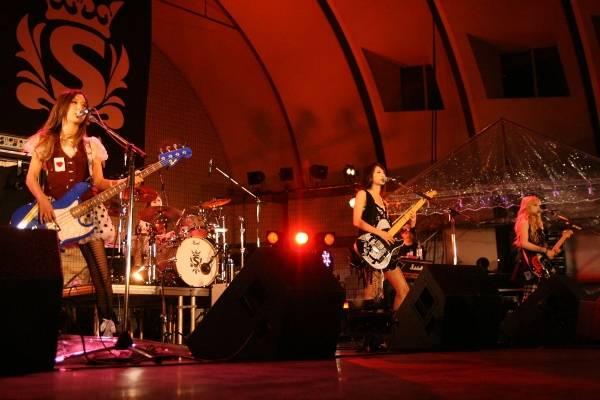 Yoyogi Park free live (09.27.2012) Sc18