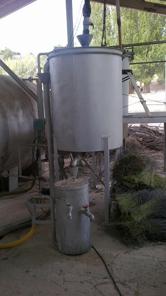 Destilado de plantas aromáticas y medicinales Serpentn