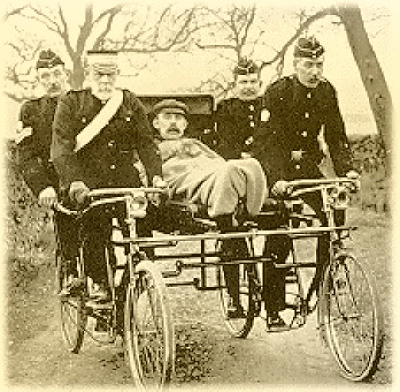 Воени велосипеди  Bicycle-ambulance_zps6419f7e3