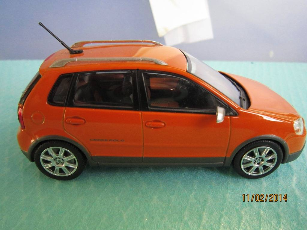 VW CROSSPOLO 1/43 MINICHAMPS IMG_0183_zps69f06e36