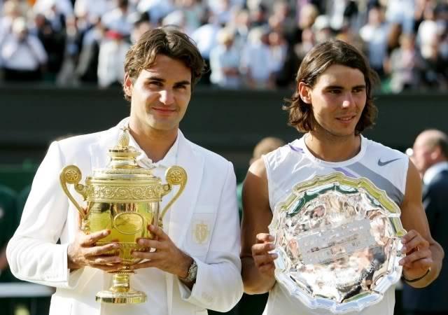 Roger y Rafa Nadal - Página 2 Wimby070708trophypair07