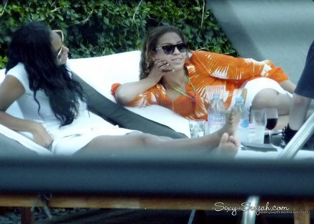 Bee, Solange, Julez, Angie à Miami HQ_Miami_Oct3rd_001