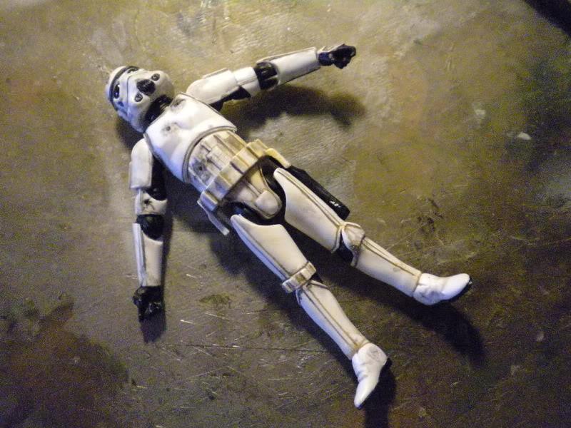 dead stormtrooper DSCN5309