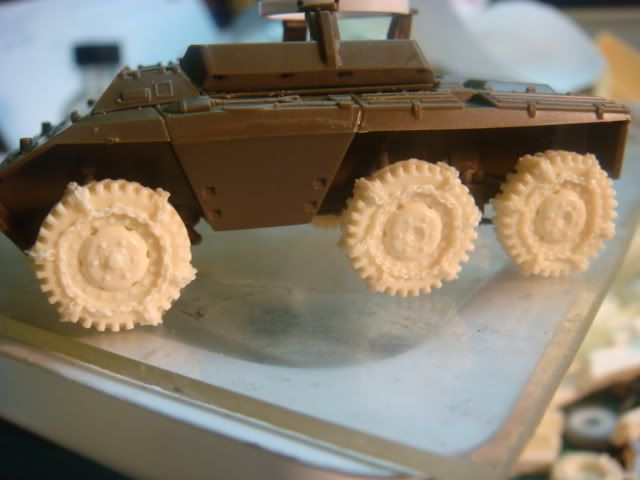 1/72 snow tires for the M3A1 and the M8/M20 Armored Cars M8wheelwithchain-5