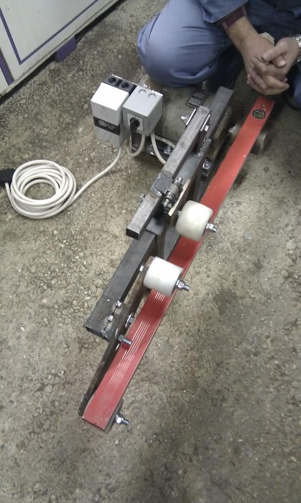 Moj belt grinder IMAG1871_zps656d7a81